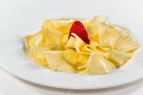 Fresh ananas restaurant boeucc milan
