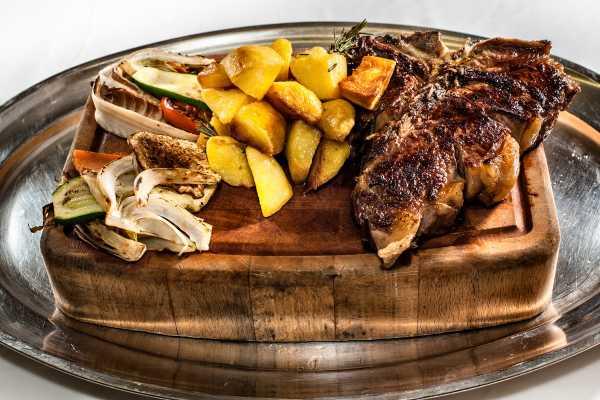 Val fiorentina style restaurant boeucc milan