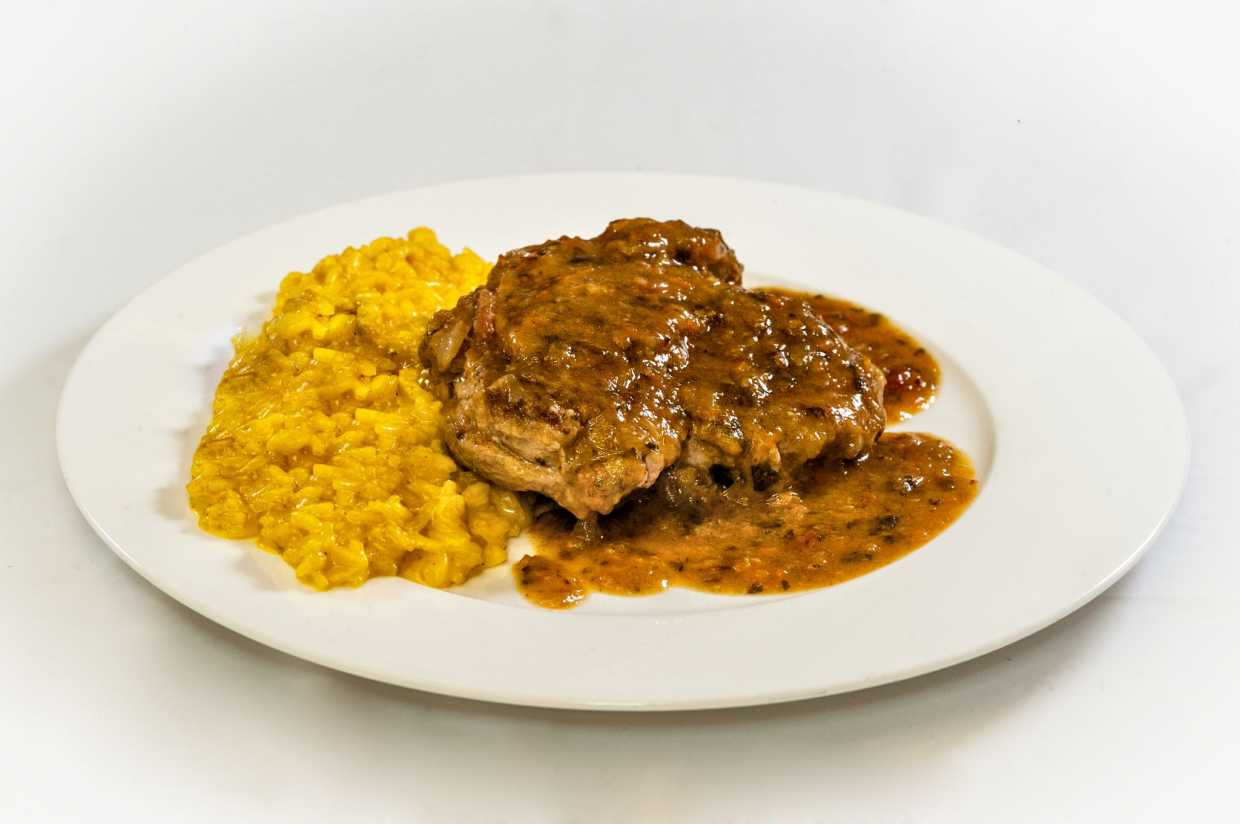 Ossobuco and Risotto Milanese style